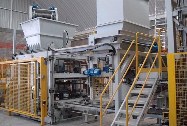 Prensa fija para bloques de concreto y hormigón, Novablock